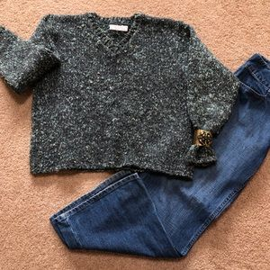 Green texture boxy sweater. Made for warmth/comfy